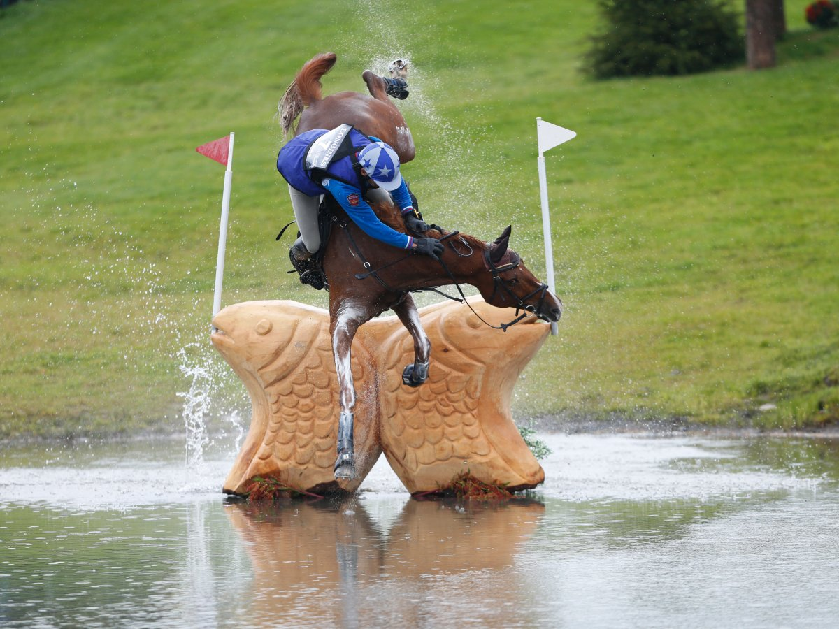a-scary-fall-in-the-cross-country-event-of-the-european-eventing-championship