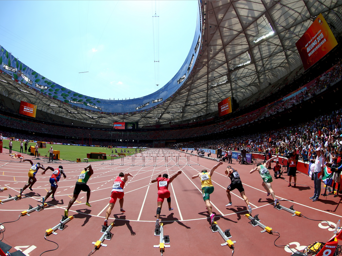 hurdlers-fire-out-of-the-blocks-at-the-track-and-field-world-championships.jpg