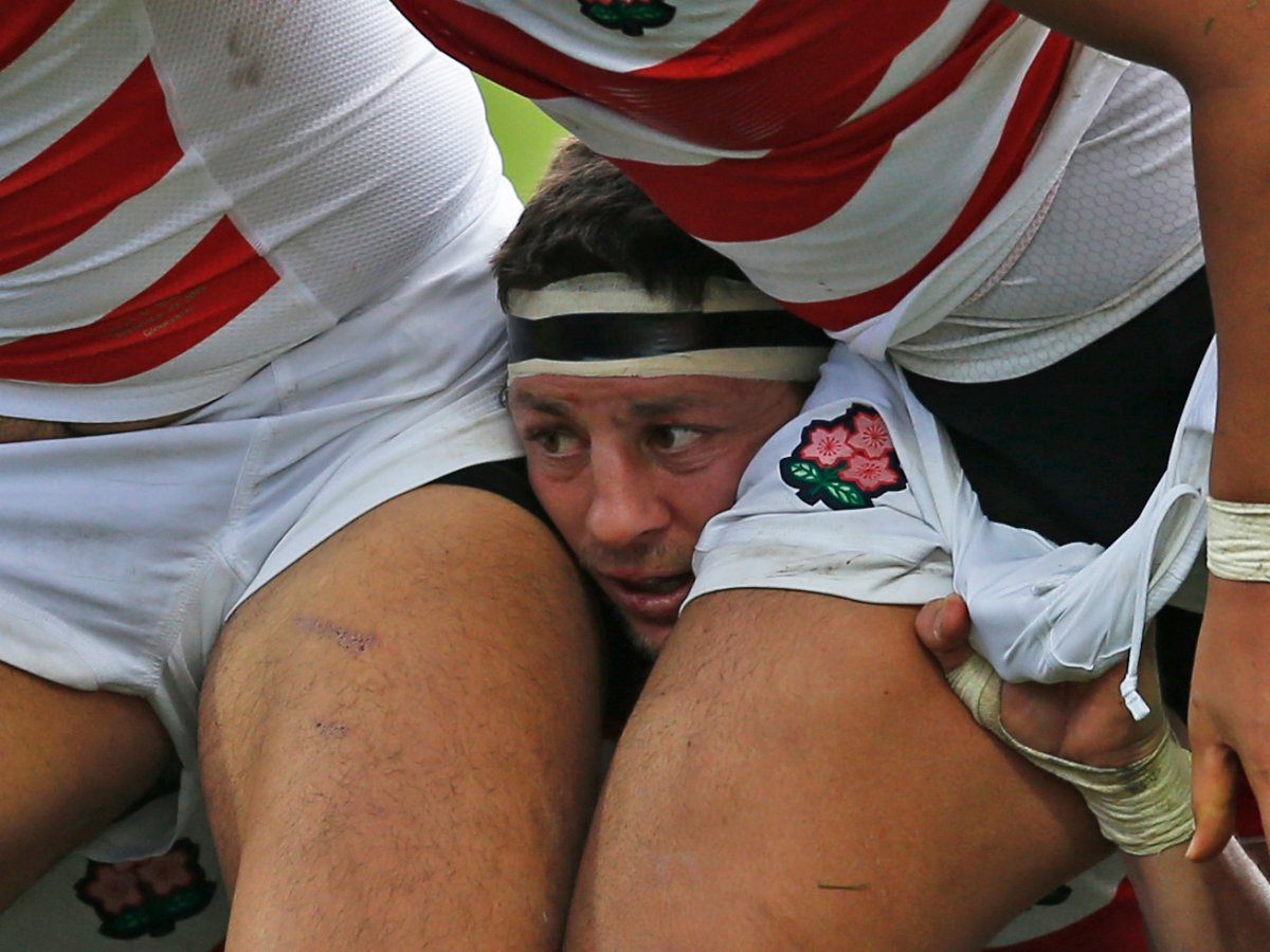 rugby-looks-uncomfortable