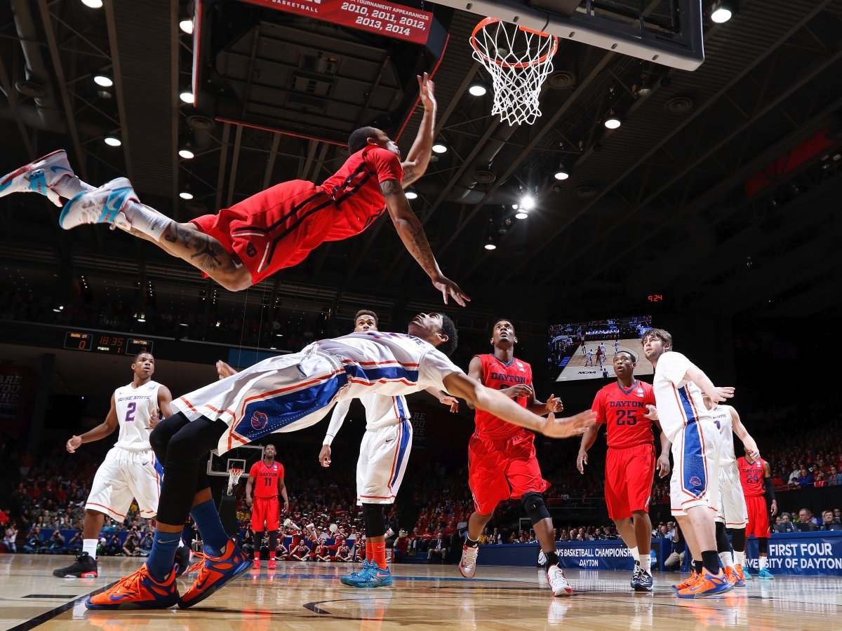 these-players-for-dayton-and-boise-state-seemingly-got-caught-in-a-matrix-moment
