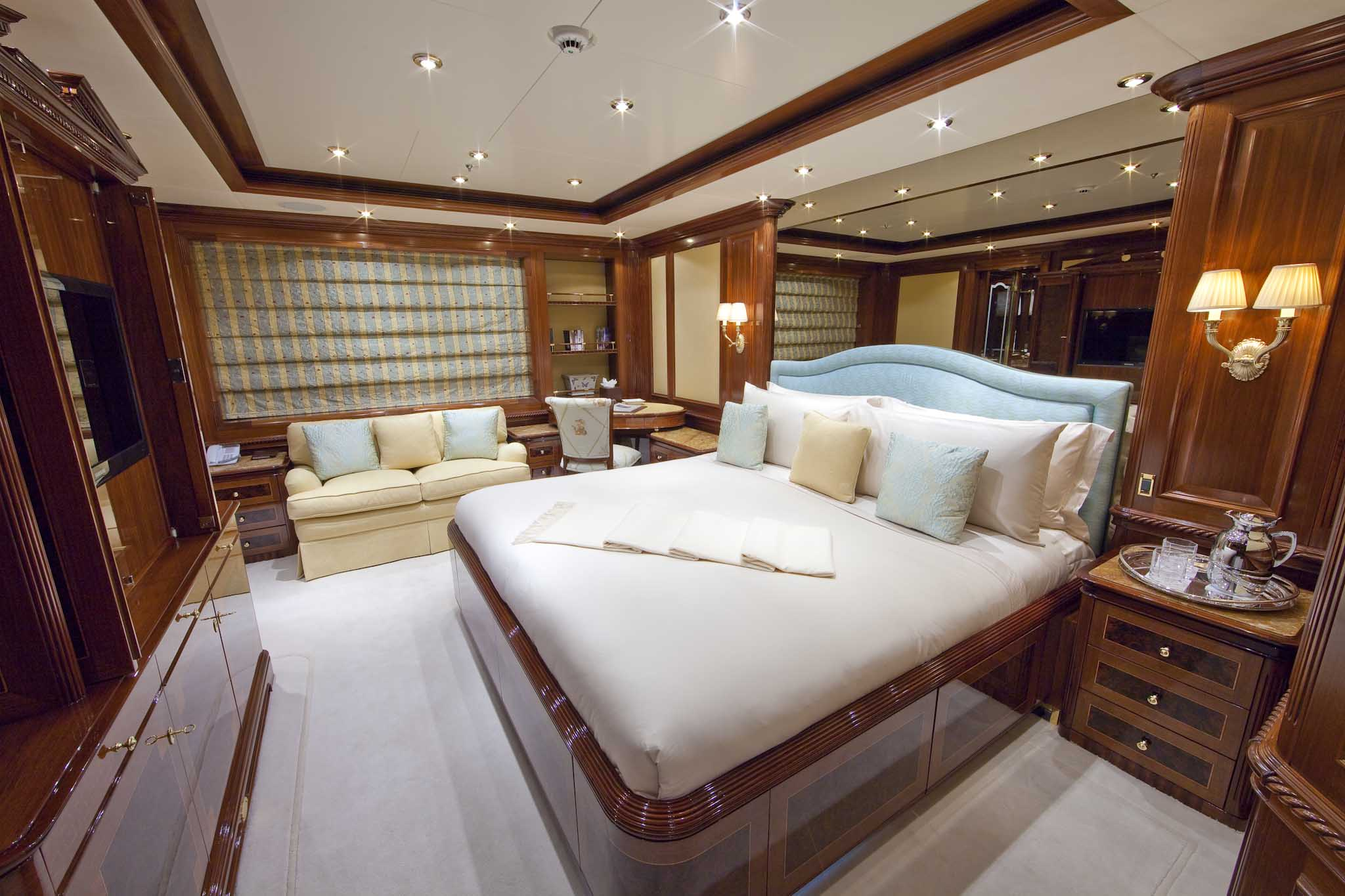 Superyacht TITANIA - Guest Stateroom 4