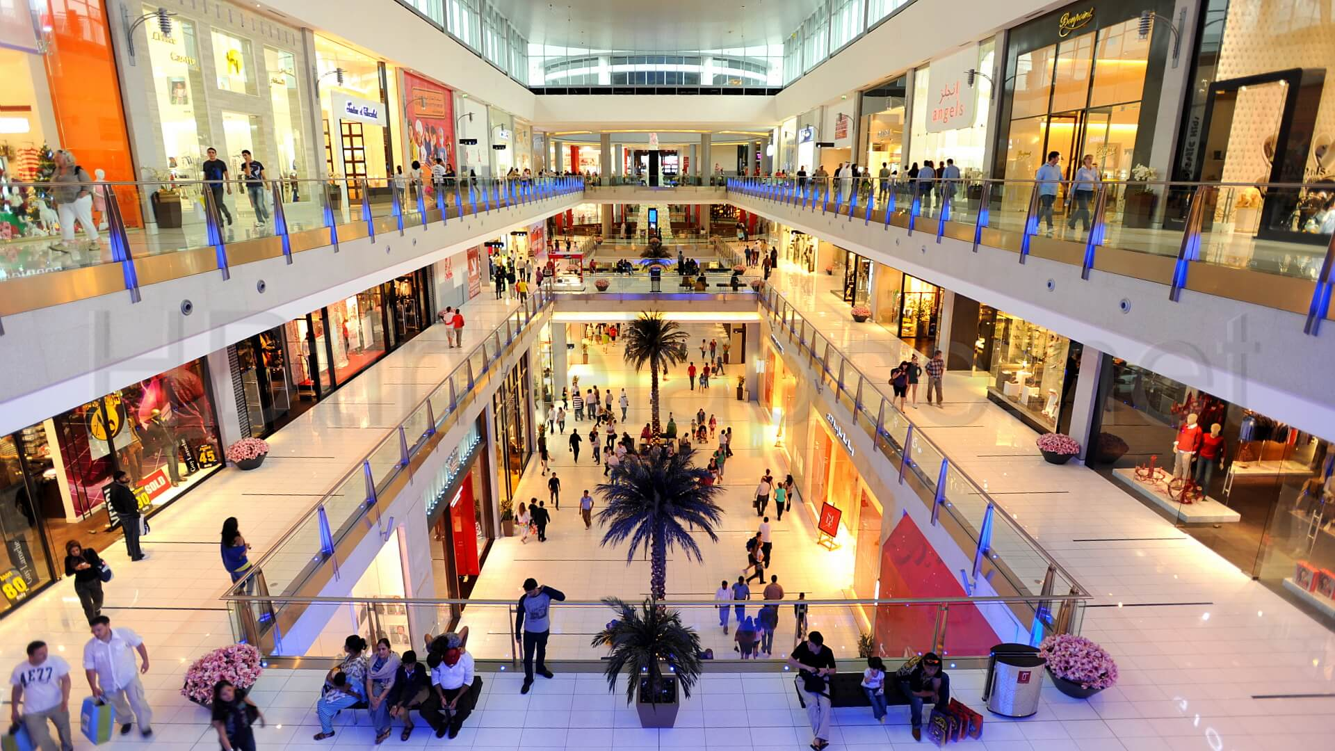 Betting Big Against Us Shopping Malls Takes New Twist