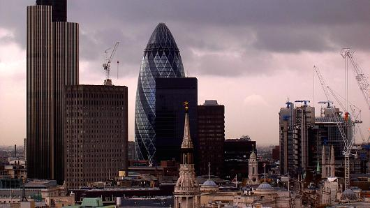 100709950-overcast-city-of-london-530x298