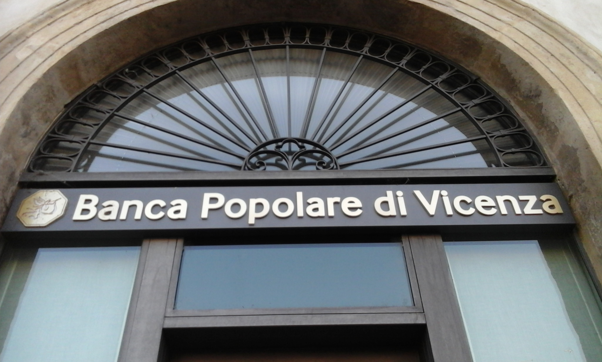 Ecb Announced The Names Of Two Bankrupt Italian Banks A