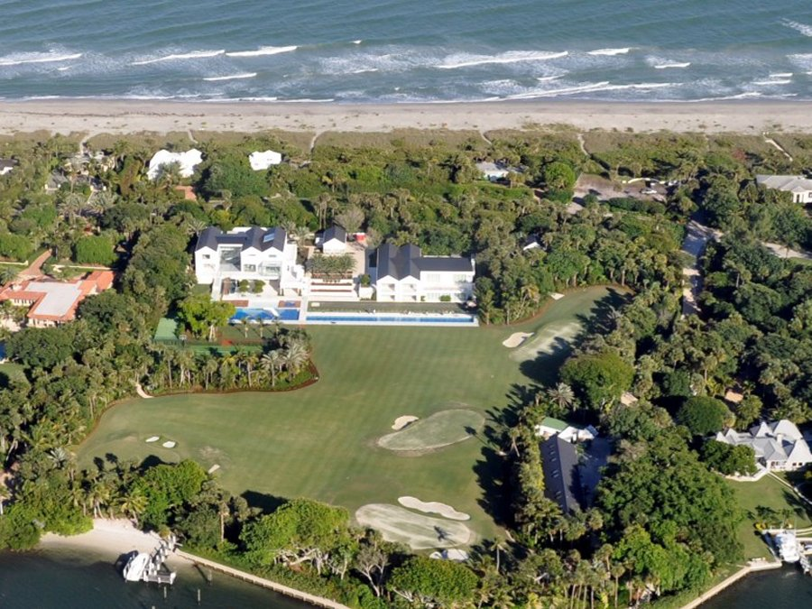he-owns-a-10-acre-property-in-jupiter-florida-which-he-built-from-scratch-for-55-million