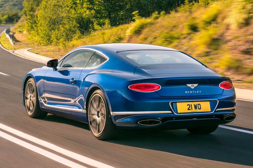 new bentley 2018.  new in the front of car company betting on a wider radiator grille and  handmade headlamps made finely cut crystal glass inside new bentley 2018