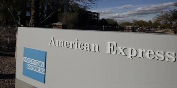 American Express CEO Ken Chenault to leave, be replaced by Stephen