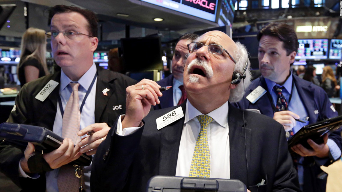 nyse-peter-tuchman-trading